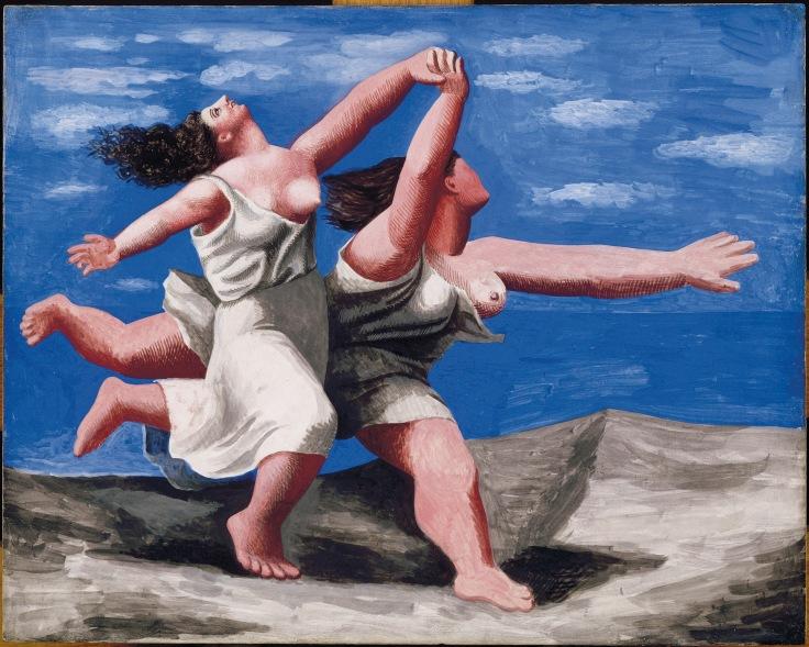 deux-femmes-courant-sur-la-plage