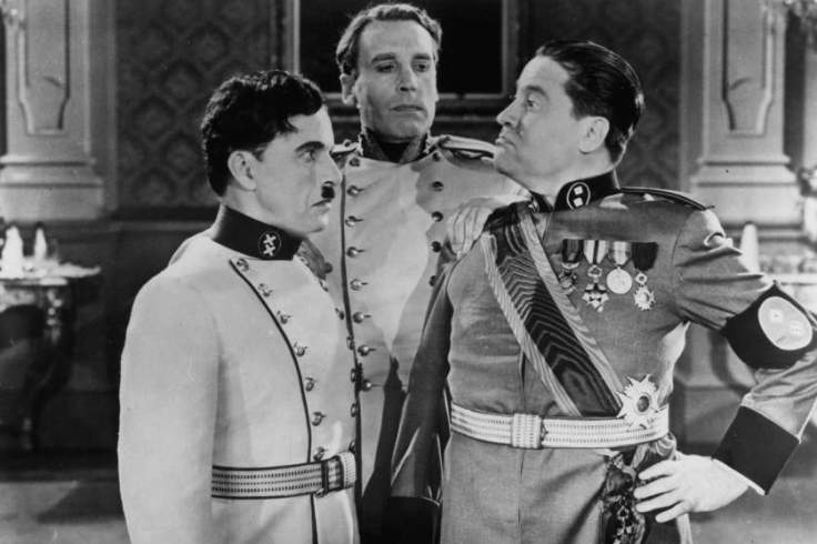 Charles Chaplin and Jack Oakie facing off in a scene from the film 'The Great Dictator', 1940. (Photo by United Artists/Getty Images)