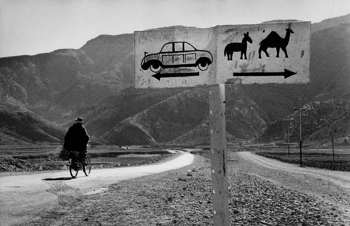 riboud_road-to-khyber-pass-web