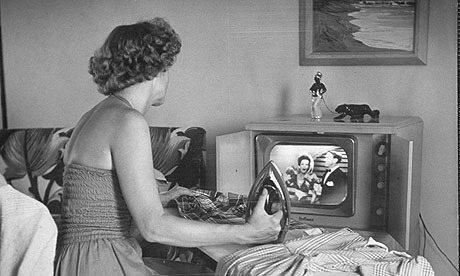 woman-watching-tv-in-50s-007_zpsfs01u0ut